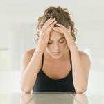Ginecologista indica os sinais de um possível desequilíbrio hormonal